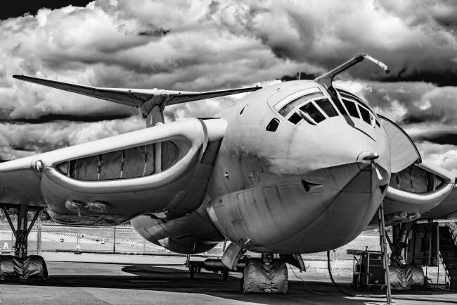 Robert  J Gipson |   Handley-Page Victor K2 Lusty Lindy monochrome