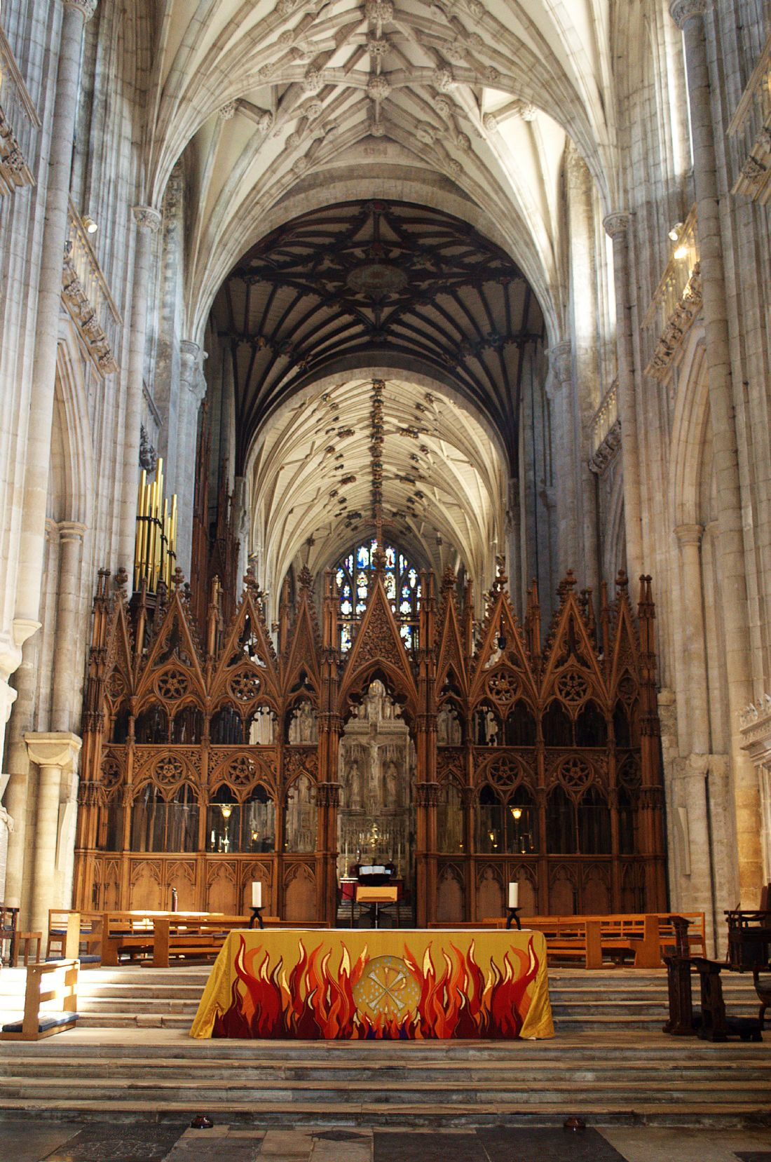 Chris Day | Winchester Cathedral Altar