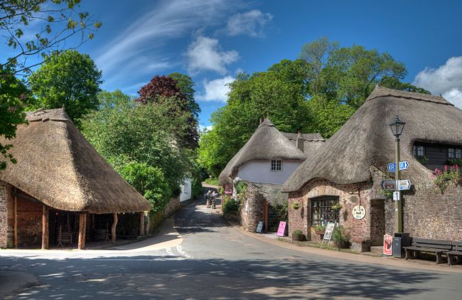 Rosie Spooner | Thatched Cottages at Cockington in Torquay Devon