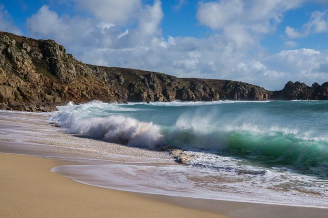 Phil Wareham | Wave at Porthcurno