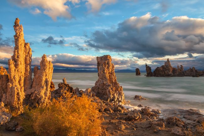 jonathan nguyen | Mono Lake tufas in morning