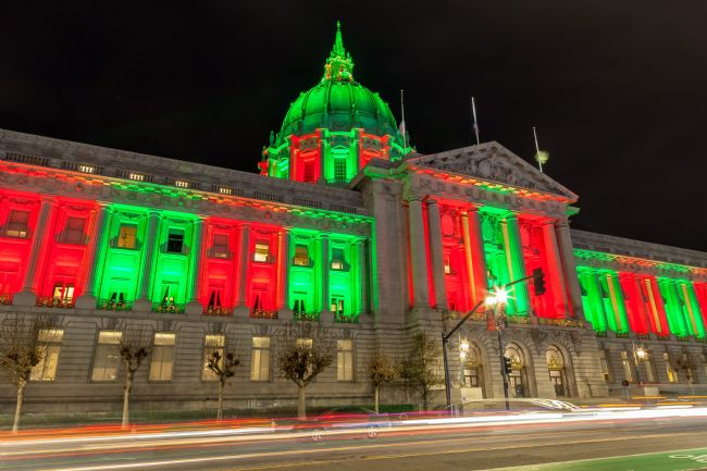 jonathan nguyen | city hall holiday light night