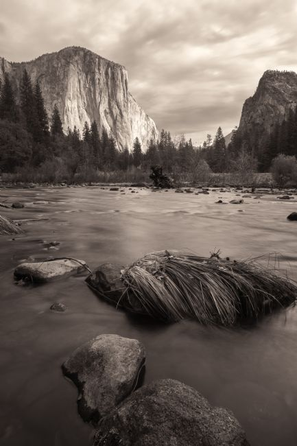 jonathan nguyen | merced river with el capitan