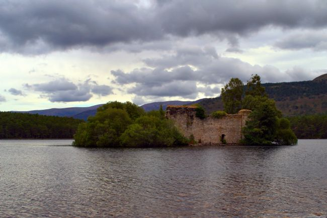 bill lighterness | Loch an Eilein Castle