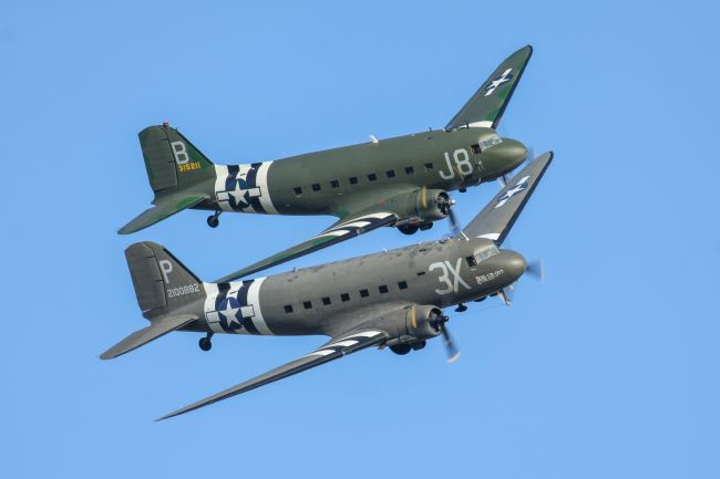 Ken Brannen | Douglas DC3 Dakota formation flight