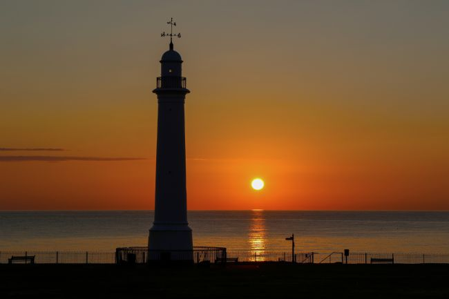 Ken Brannen | Seaburn Park lighthouse sunrise