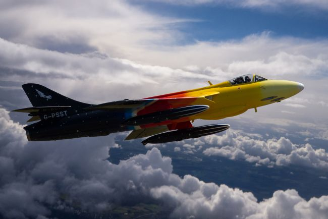 Ken Brannen | Miss Demeanour in flight