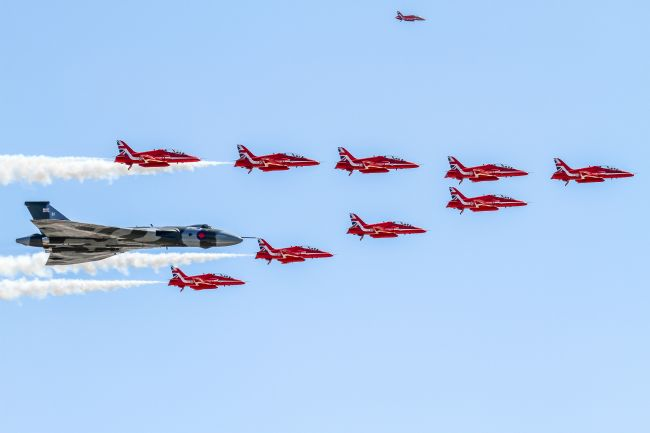 Ken Brannen |  Vulcan Bomber and Red Arrows 2015