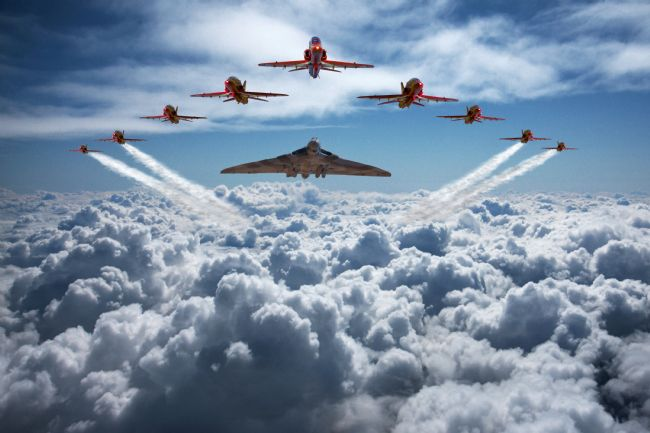Ken Brannen | Vulcan and Red Arrows farewell flight