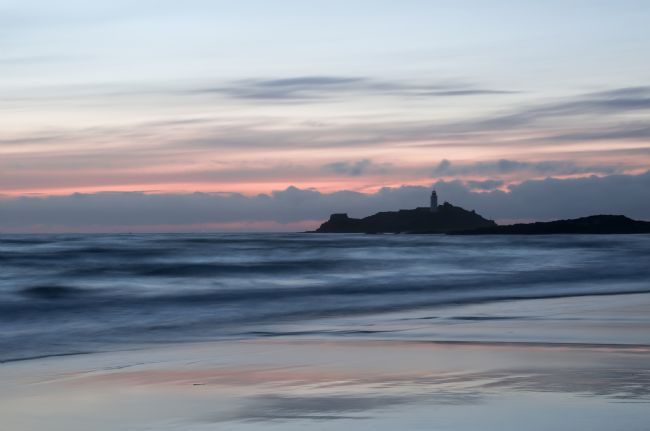 Pete Hemington | Godrevy Lighthouse from the beach