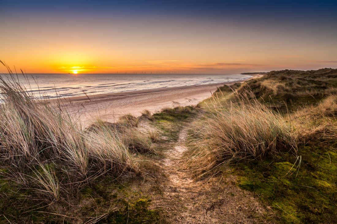 Stephen Mole | Dawn over Winterton Beach