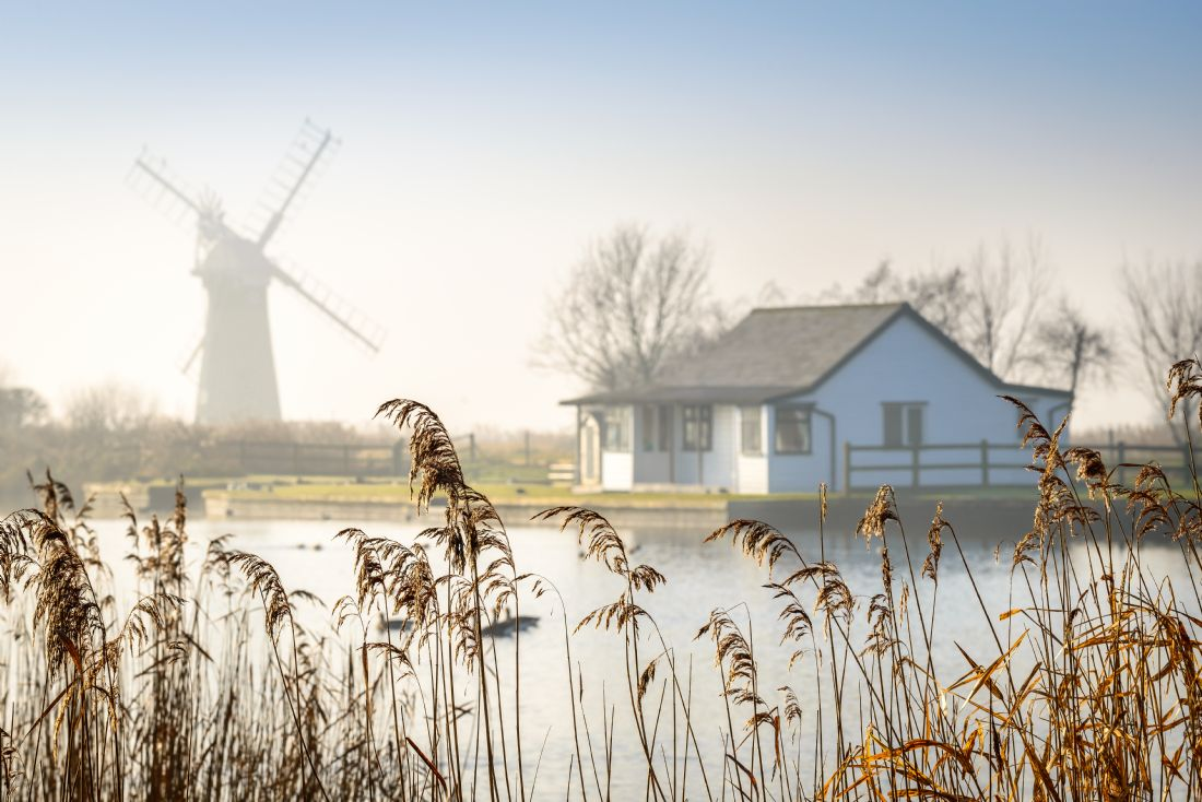 Stephen Mole | A misty morning at Thurne