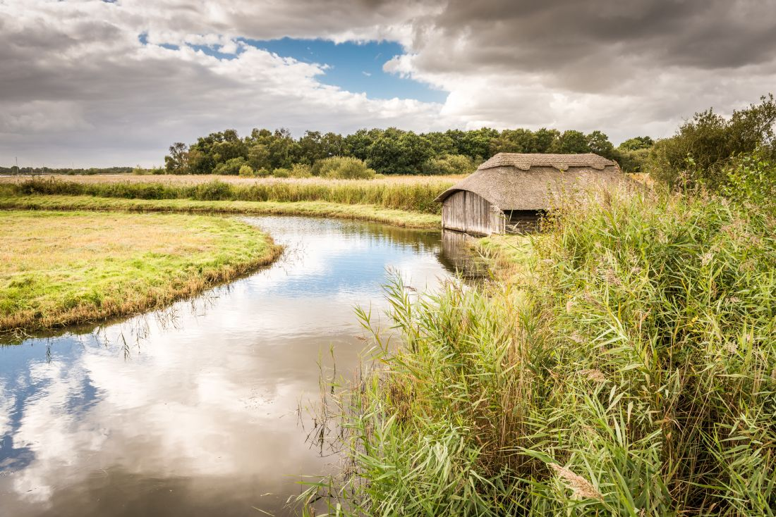 Stephen Mole | Thatched Boat house