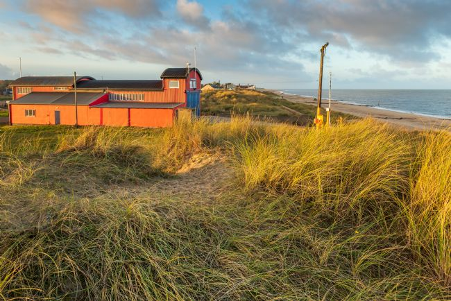 Stephen Mole | Dusk at Caister Lifeboat Shed