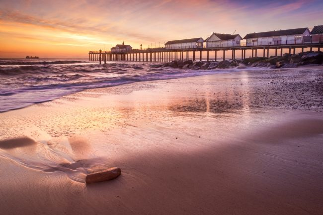 Stephen Mole | Sunrise at Southwold Pier