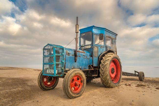 Stephen Mole | Blue Tractor on Winterton Beach