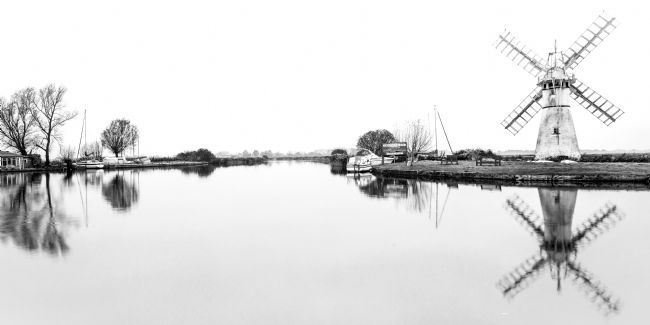 Stephen Mole | Thurne Mill in black and white