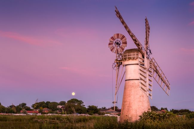 Stephen Mole | Moon over Thurne Mill