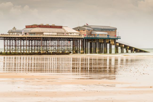 Stephen Mole | Cromer Pier at Low tide