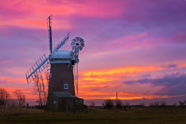 Stephen Mole | Dawn at Horsey Mill