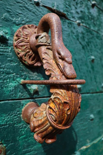 Roz Collins | Elaborate Swan Door Knocker