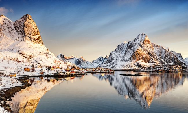 Richard Burdon | Reine Sunrise