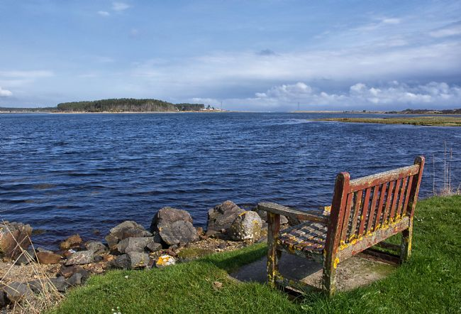 Jacqi Elmslie | Seat by Loch Fleet, Moray Firth