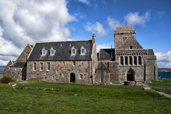 Jacqueline Elmslie | The Abbey of Iona