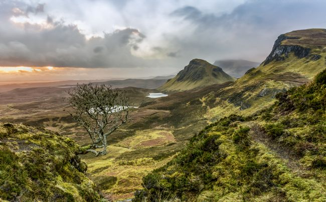 Pete Lawless | Sunrise the Quiraing