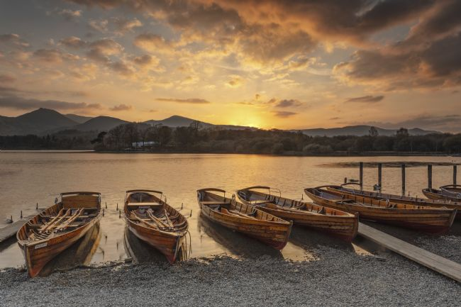 Pete Lawless | Dramatic Sky at Derwent Water