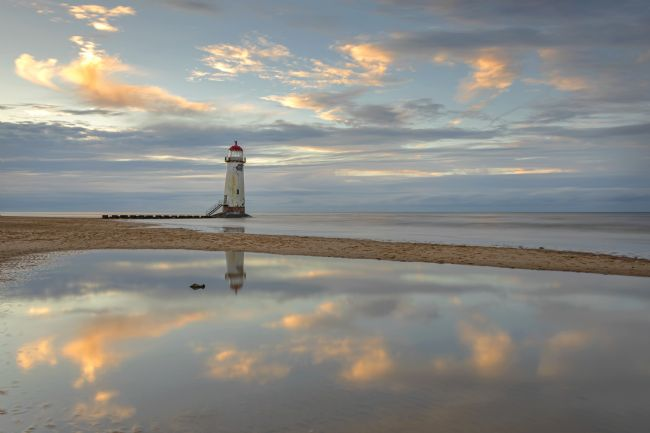 Pete Lawless | The Point of Ayr Lighthouse