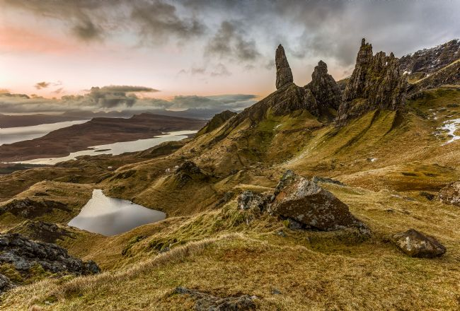 Pete Lawless | Sunrise at the Old Man of Storr