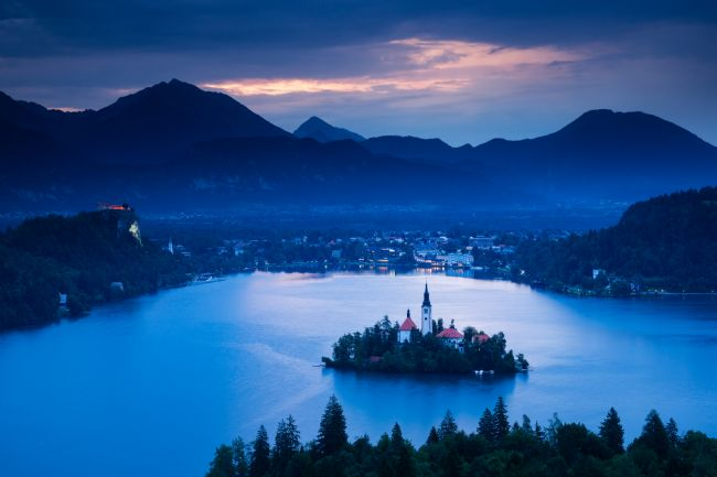 Ian Middleton | Dawn view of Lake Bled from Ojstrica