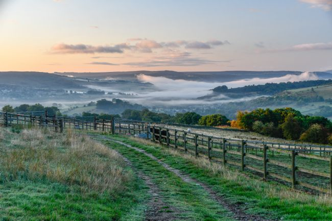 Mike Carroll | Misty Peak District sunrise