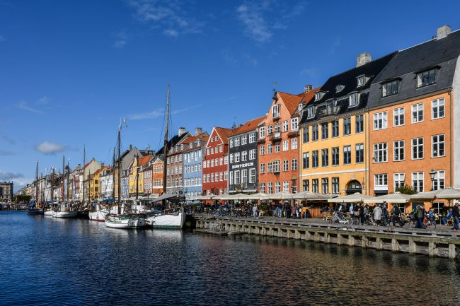 Mike Carroll | Colourful Nyhavn