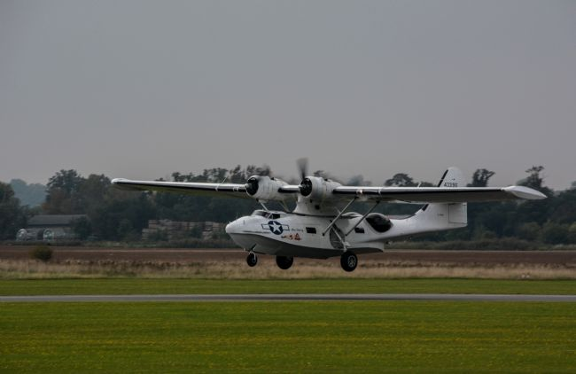 Mike Carroll | PBY Catalina lands at IWM Duxford