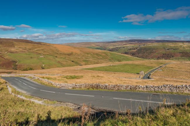 Richard Laidler | Down into Swaledale on the Buttertubs Pass