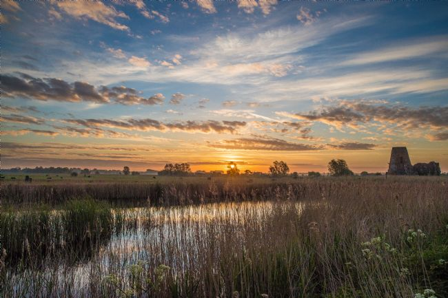 Tom Dolezal | Sunrise on the Broads