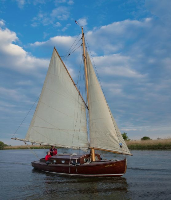 Tom Dolezal | Sailing on the broads