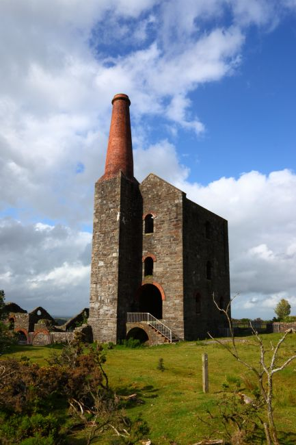 James Brunker | Ruins of the Prince of Wales engine house Cornwall