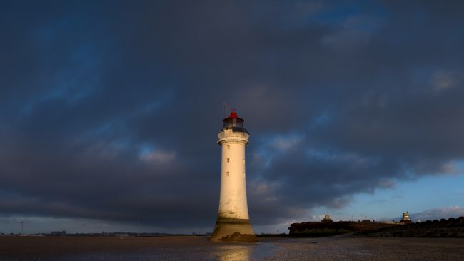 Liam OMalley | New Brighton Lighthouse at Dusk
