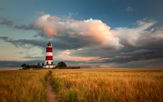 David powley | Evening light over Happisburgh Lighthouse