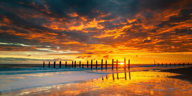 David Powley | Sunrise on Happisburgh Beach