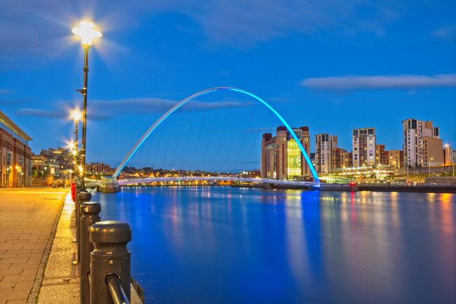 Rob Cole | Gateshead Millennium Bridge and Quays