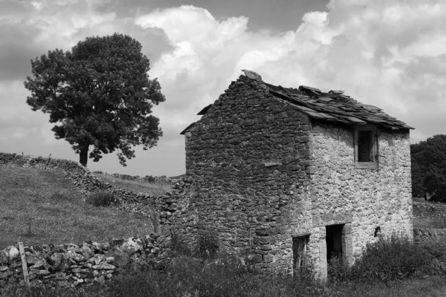Steve Stamford | Peak District Barn Mono