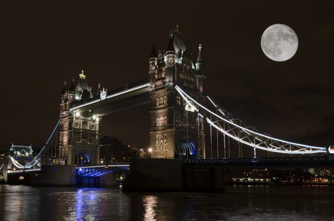 Steve Stamford | Tower Bridge moonlight