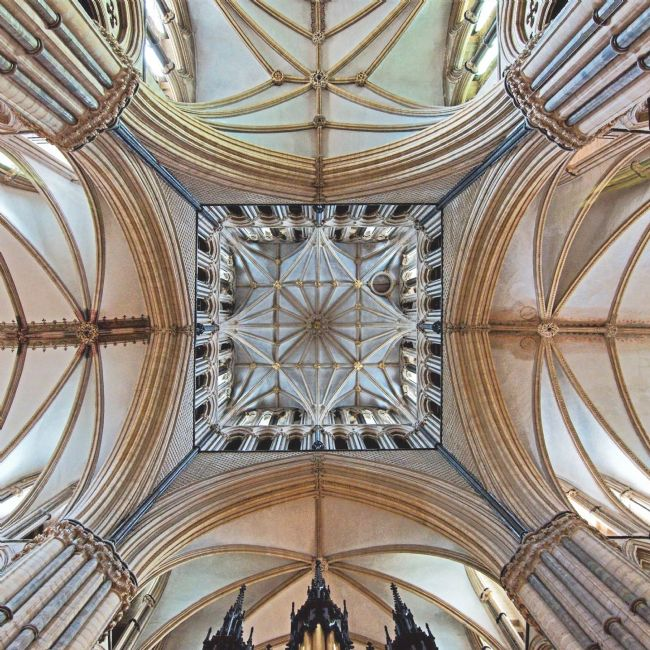 Chris Langley | Lincoln Cathedral, roof of the transept crossing the nave