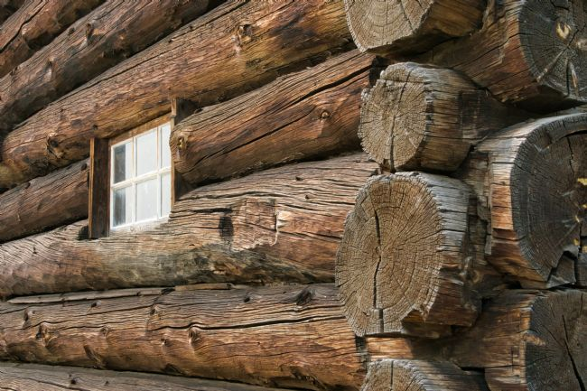 Chris Langley | Old log barn, 108 Mile House, Cariboo, British Columbia, Canada