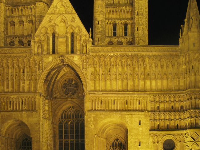 Chris Langley | Lincoln Cathedral West Front under floodlights