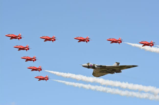 James Biggadike | Vulcan And The Red Arrows